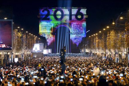 Celebrations-de-la-nouvelle-annee-2016-a-Paris-France